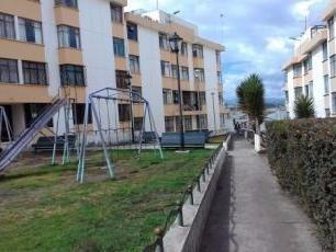 Vendo Departamento De 3 Dormitorios Urbanización Miraloma