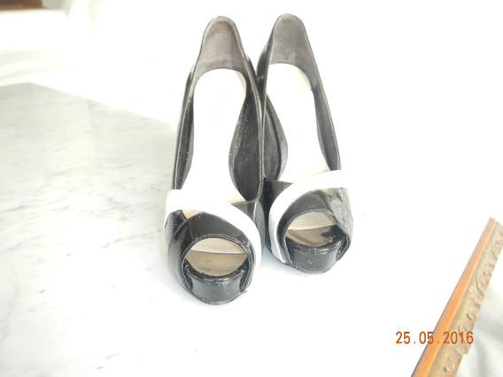Zapatos Guess Charol Negro Y Blanco