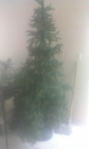 Imagen 1 de 1 de Árbol De Navidad Artificial Usado 2.20m Estructur Metalicaa