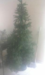 Árbol De Navidad Artificial Usado 2.20m Estructur Metalicaa