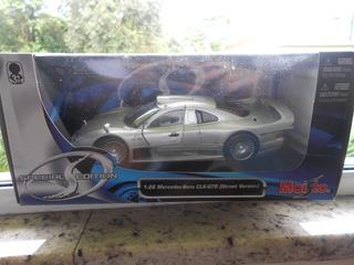 Miniatura Maisto Metal 1:26 Mercedes Benz Clk Gtr
