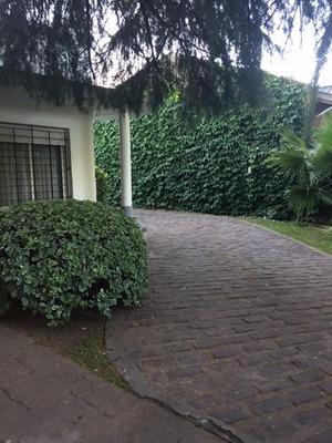 Excelente Casa Doble Lote, Inmejorable Zona Lado Sur