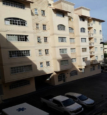 Vendo Apartamento Gazcue 2h Ascensor Planta 2parq.