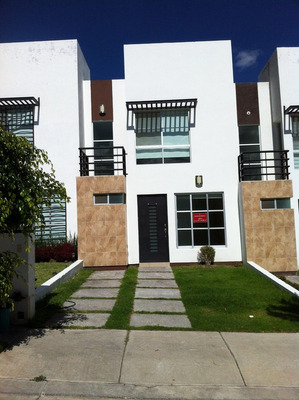 Villas Del Pedregal 3 Rec Fraccionamiento Con Alberca