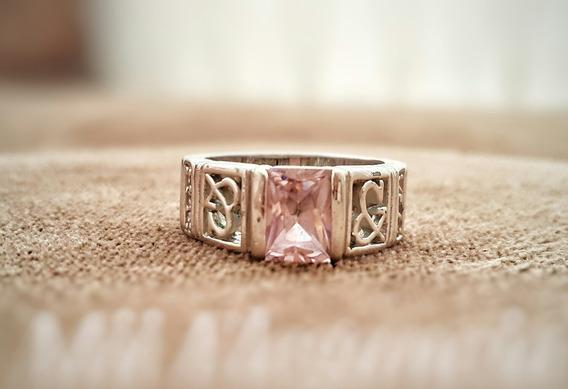 Anel Ouro Branco Emerald Pink E Diamantes.