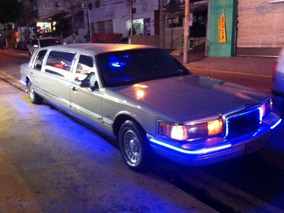 Limousine Ford Town Car Americana V.8