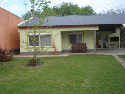 Linda Casa A 1 Cuadra De La Rambla En Colonia Del Sacramento