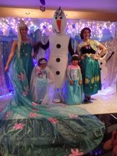 Show Frozen,increible,unico,divino,moana Malefica,cenicienta