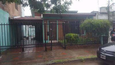 Casa Al Frente Con Ent. De Auto Y Patio. Oportunidad F:7358