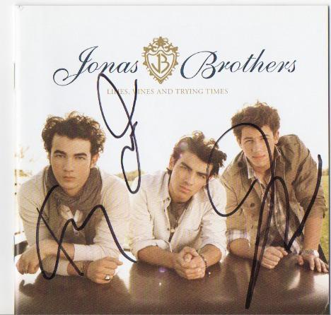 Imagen 1 de 1 de Jonas Brothers Cd Autografiado!!!