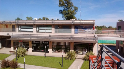 Locales A Estrenar Moreno Zona Oeste Solares Gorriti