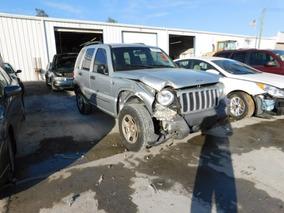 Jeep Liberty 2004 Chocada Se Vende Completa O En Partes