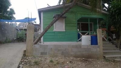 Casa Mejora En El Centro De Haina