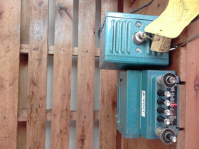 Rádio Antigo Automotivo    Rs - 17   J