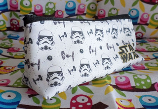 Cartuchera Triangular De Star Wars Colegio Stormtrooper