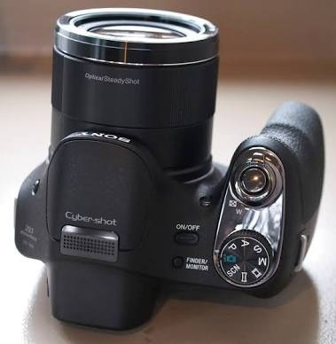 Camera Fotografica Sony Dsc H-400