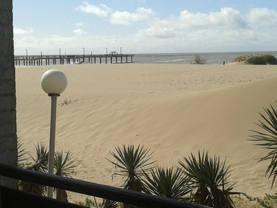 Departamento Frente A Mar 130 Y Playa Gesel Solo Marzo