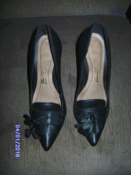 Sapato Scarpin Preto Santa Lolla Tamanho: 33