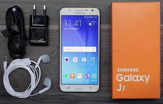 Smartphone Samsung Galaxy J7 Branco Usado