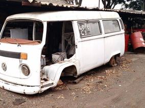 Vw Volkswagen Perua Kombi Sucata 1999 Branca Carcaça Peças