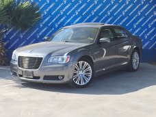 Chrysler 300c Lujo 2012