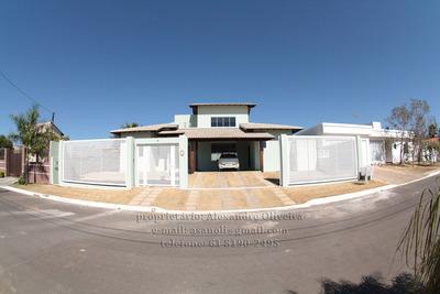 Casa Nova, 4 Quartos, Condomínio Fechado, Excelente Ambiente