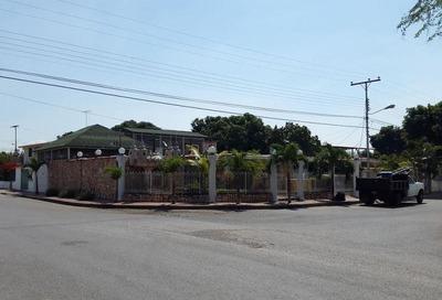 Vendo Bella Quinta En La Urb Fundacion Mendoza Maracay Jmack