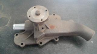 Bomba De Agua P-ford F600/750 Motor: 330/361/390/391
