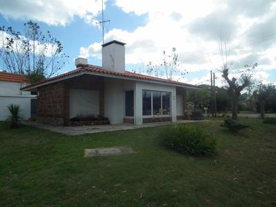 Casa Y Terrerno En Primera Linea Frente Al Mar En Araminda