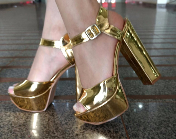 Sandalia Salto Alto Com Verniz Sapatos