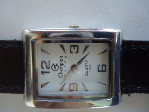 Relógio Champion Quartz Semi Novo