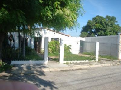 Vendo Comoda Casa Urb. Los Samanes Maracay