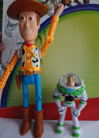 Kit Bonecos Wood 25cm + Buzz Lightyear 13cm. Toy Story 4