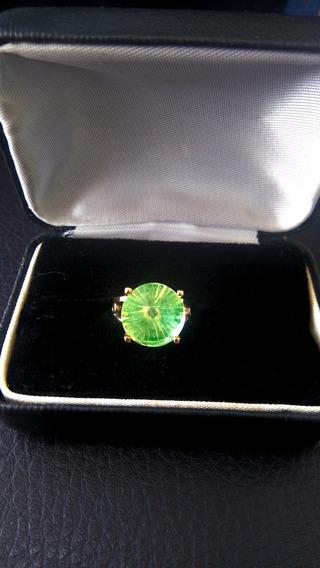 Anillo Oro Amarillo 14 Kilates, Con Piedra Sintetica Verde.