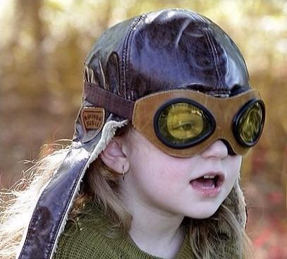 Touca Aviador Infantil De Couro Sintético.