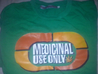 Remera Cannabis Marca Leven Talle L. ¡¡¡va Con Un Regalo!!!