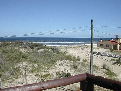 Cabaña De Troncos Frente Al Mar, Vista Increíble.