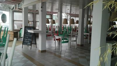 Gran Local Comercial En Excelente Punto De Punta Del Este