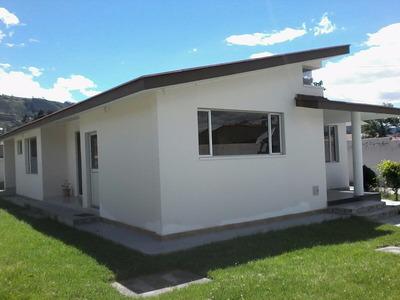 Hermosa Casa En Cumbaya (terreno 600m2)