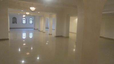 Local De Oficina Prox. Al Malecon De 450m2, 2do Nivel, Nuevo