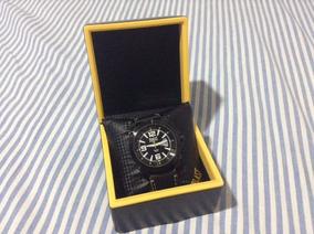 Relógio Esportivo Everlast Modelo E205.