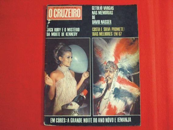 Revista O Cruzeiro N° 16 De 14 De Janeiro De 1967 ! Ótima!!
