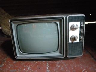 Televisor Blanco Y Negro Zenith Ac-dc No Funciona - 220v !