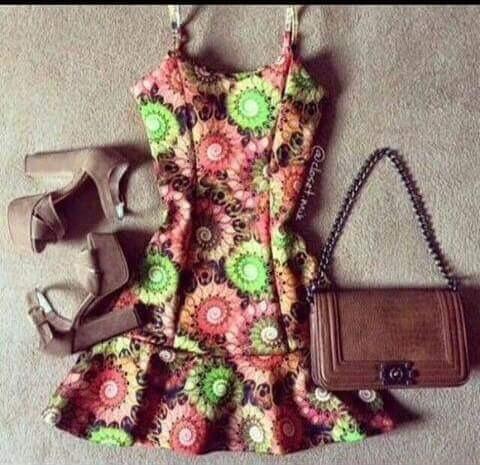 Vestido Modelo Boneca