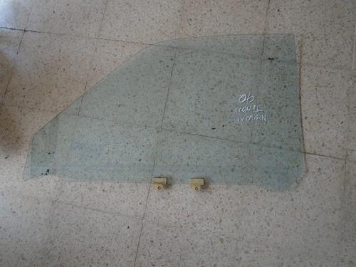 Vendo Vidrio Delantero Derecho De Nissan Terrano,  Año 1990