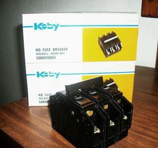 Breaker 2x100 Amp Original Superficial Koby Thqc Nuevo