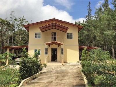 Casa En Venta En Panamalos Altos De Cerro Azul Con 1,914 Mt2