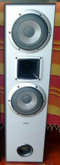 Vendo Caixa Torre Sony Muteki 1500 - 185w