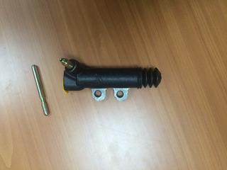 Bomba Bombin Inferior Croche Dyna Dina Toyota 31470-37080