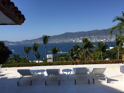 Magnífica Villa Horizontal En Marina Brisas